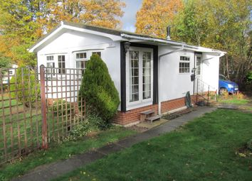 Thumbnail 2 bed mobile/park home for sale in Forest Way, Warfield Park, Bracknell, Berkshire