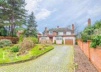 5 bed detached house for sale in Yewlands, Hoddesdon EN11