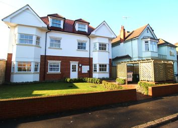Thumbnail 1 bed flat to rent in Rosslyn Road, Watford