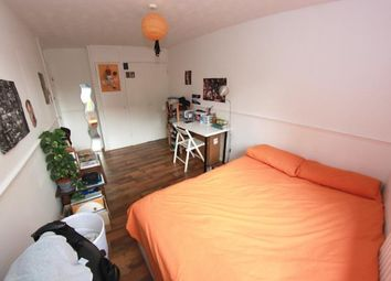 Thumbnail 5 bed shared accommodation to rent in Rhodeswell Road, London
