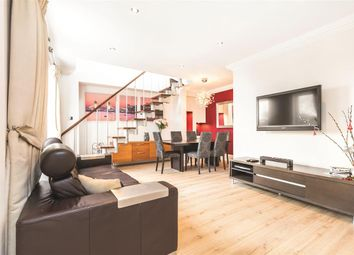 Thumbnail 3 bedroom flat to rent in Clapham Common South Side, London