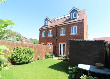 3 bed town house for sale in Green Farm Road, Newport Pagnell, Buckinghamshire MK16