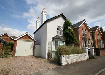 Thumbnail 3 bed detached house to rent in Priory Road, Newbury