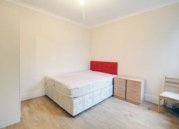 Thumbnail 1 bed flat to rent in Kingsland High Street, Dalston