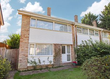 Westbrook Close, Park Gate, Southampton SO31. 3 bed semi-detached house