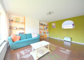 Thumbnail 2 bed maisonette for sale in Netherwood, High Road, East Finchley, London
