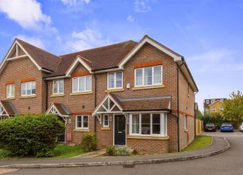 3 bed property for sale in Chatelet Close, Horley RH6