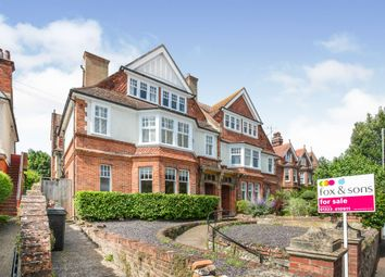 Southfields Road, Eastbourne BN21. 3 bed flat
