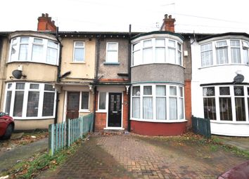 Thumbnail 3 bed terraced house for sale in Lake View, Hull
