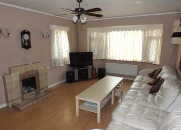 Thumbnail 2 bed bungalow for sale in North Avenue, Middleton On Sea, Bognor Regis, West Sussex