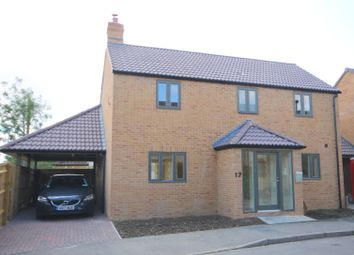 Thumbnail 3 bed detached house for sale in Cotsworld Close, Witney, Oxofrdshire