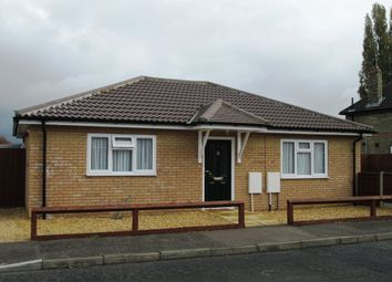 Thumbnail 2 bed bungalow to rent in Queens Road, Sandy Bedfordshire