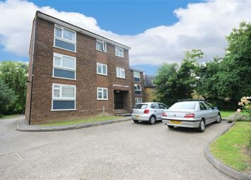 Thumbnail 2 bed flat to rent in 36 Lyonsdown Road, New Barnet, Hertfordshire