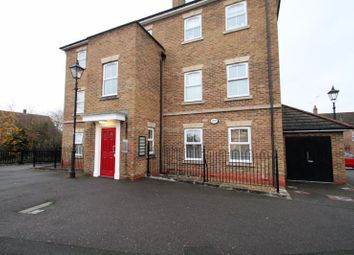 Thumbnail 2 bed flat to rent in Arncott Way, Fairford Leys, Aylesbury