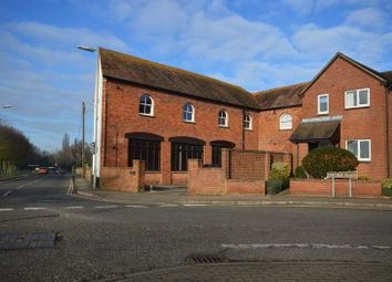 Thumbnail 2 bed flat to rent in Southern Road, Thame