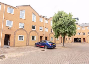 5 bed property to rent in Cyclops Mews, Docklands E14, Docklands (Isle Of Dogs)
