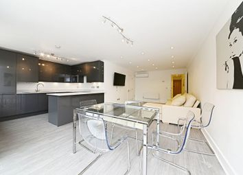 Thumbnail 3 bed flat for sale in Regent Court, North Bank, London