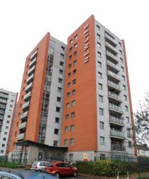 Thumbnail 2 bed flat for sale in Upper Cross St, Northampton