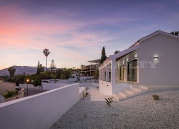 Thumbnail 5 bed villa for sale in El Rosario, Marbella East, Malaga, Spain