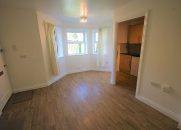 Thumbnail 2 bed flat to rent in Alexandra Road, Farnborough