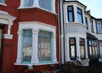 Thumbnail 3 bed detached house to rent in Henley Road, Ilford
