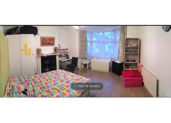 Thumbnail Room to rent in A Stanhope Avenue, London