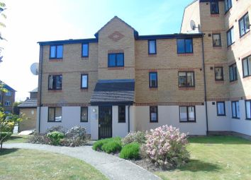 Thumbnail 2 bedroom flat to rent in Linwood Crescent, Enfield