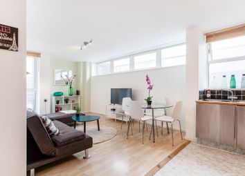 Thumbnail 1 bed flat to rent in Macklin St, Holborn, London