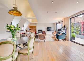 Thumbnail 4 bed flat to rent in Stafford Court, Kensington High Street, London