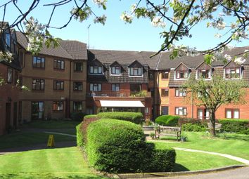 Thumbnail 1 bed flat for sale in Crescent Dale, Shoppenhangers Road, Maidenhead