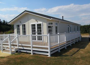 Thumbnail 2 bed mobile/park home for sale in Chapel Barn Lodges (Ref 5958), Leiston Road, Aldeburgh, Suffolk