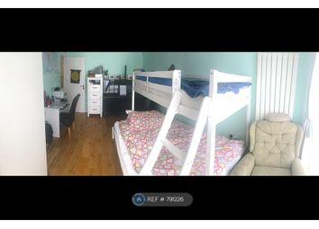 2 bed maisonette to rent in Valley Fields Crescent, Enfield EN2