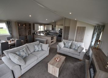 Thumbnail 2 bedroom lodge for sale in Hythe Road, Dymchurch, Romney Marsh