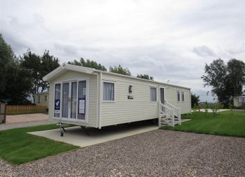 2 bed mobile/park home for sale in New River Bank, Littleport, Ely CB7