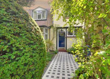 4 bed property for sale in Heathfield Road, Acton, London W3