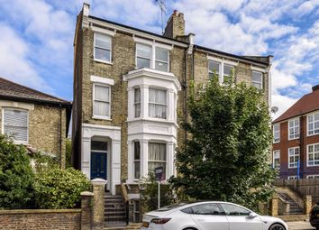 Coverdale Road, London W12. 2 bed flat