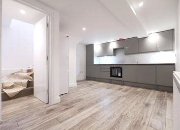2 bed maisonette to rent in Crossford Street, London SW9