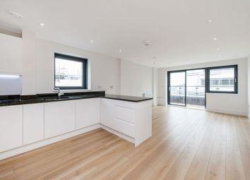 Thumbnail Flat to rent in Knightley Walk, London