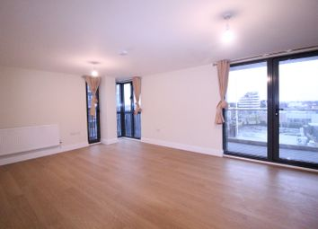 3 bed flat to rent in Charter House, High Road IG1