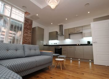 Thumbnail 2 bedroom flat to rent in Hounds Gate, Nottingham