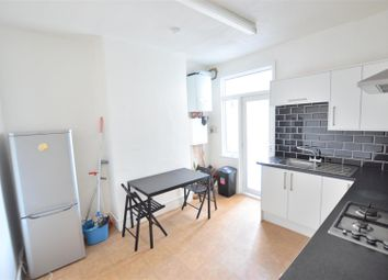 2 bed flat to rent in Broxholm Road, London SE27