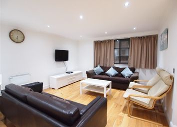 2 bed flat to rent in Earl's Court Road, Earl's Court, London SW5