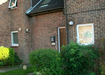 Thumbnail Studio to rent in Shepperton Close, Lordswood