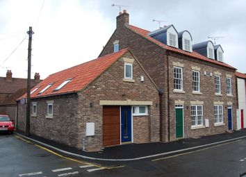 Thumbnail 2 bedroom town house to rent in Priestgate, Barton-Upon-Humber
