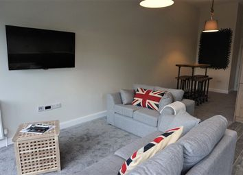 Thumbnail 5 bed flat to rent in Thornton Court, Forth Place, Newcastle Upon Tyne