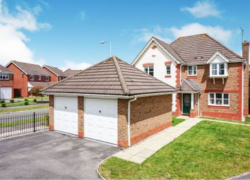 4 bed detached house for sale in Queen Elizabeth Drive - Taw Hill, Swindon SN25