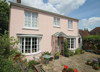 Thumbnail 2 bed cottage for sale in Morth Gardens, Horsham
