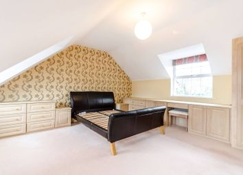 Thumbnail 6 bed property to rent in Chadwick Place, Long Ditton