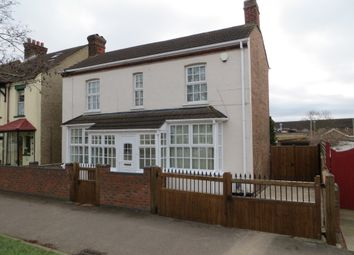 Thumbnail 4 bed detached house to rent in Harrowden Road, Bedford