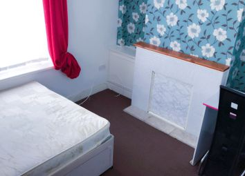 2 bed flat to rent in Argyle Street, Swansea SA1